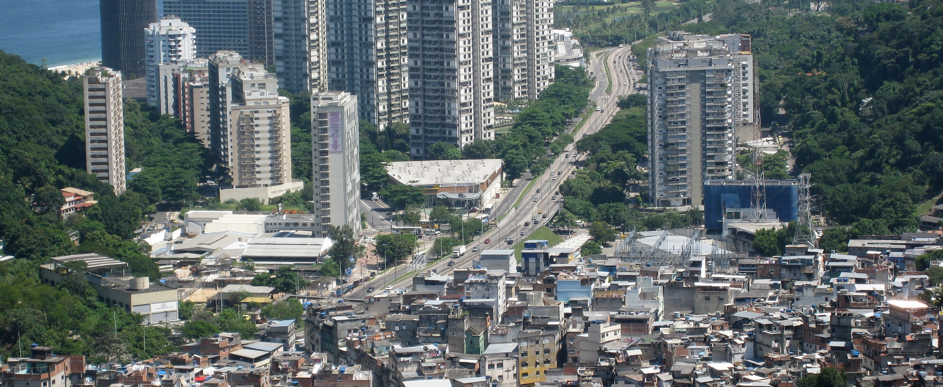 Rocinho favela, Rio.  Image:  AHLN
