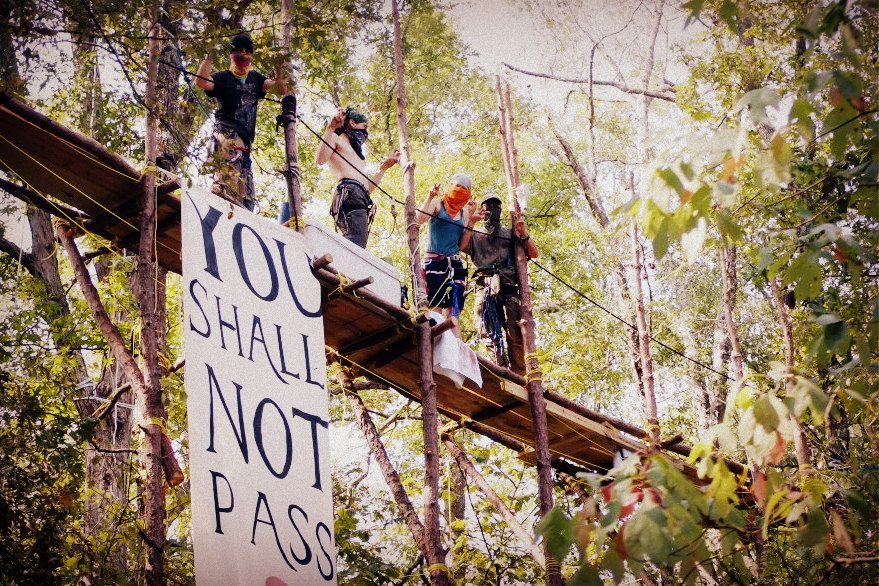Blocking the Keystone XL pipeline. Image: Tar Sands Blockade.